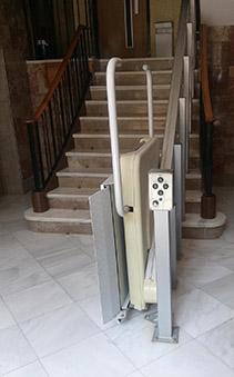 Elevador Discapacitados -Plataforma Salvaescaleras