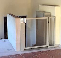 Plataforma elevadora discapacitados vertical y salvaescaleras for Salvaescaleras vertical
