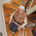 Salvaescaleras para personas mayores
