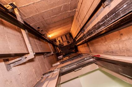 , Opération d'un ascenseur | Ascensoresymás.commonte escalier tournant
