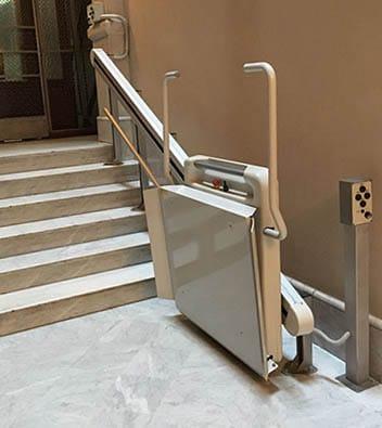 Monte-escalier plié