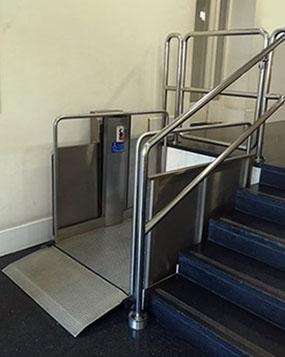 Plataforma para subir escaleras