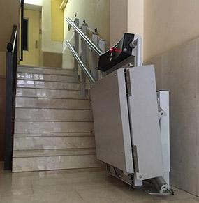 Plataforma Sube escaleras plegada