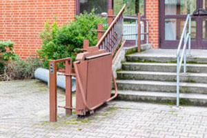 Monte-escaliers extérieurs