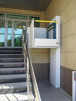 Monte-escaliers verticaux